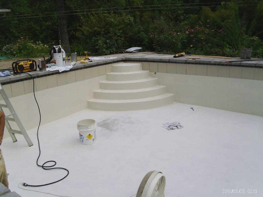 Réparation de piscine creusée béton